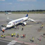 Ryanair выполнил первый коммерческий рейс в Украину